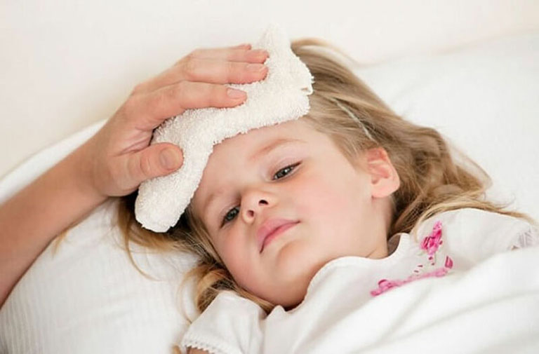 Trẻ bị viêm amidan có thể nguy hiểm đến sức khỏe của bé
