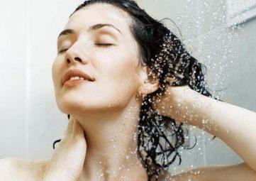 Góc tư vấn từ chuyên gia: Nổi mề đay có được tắm không?