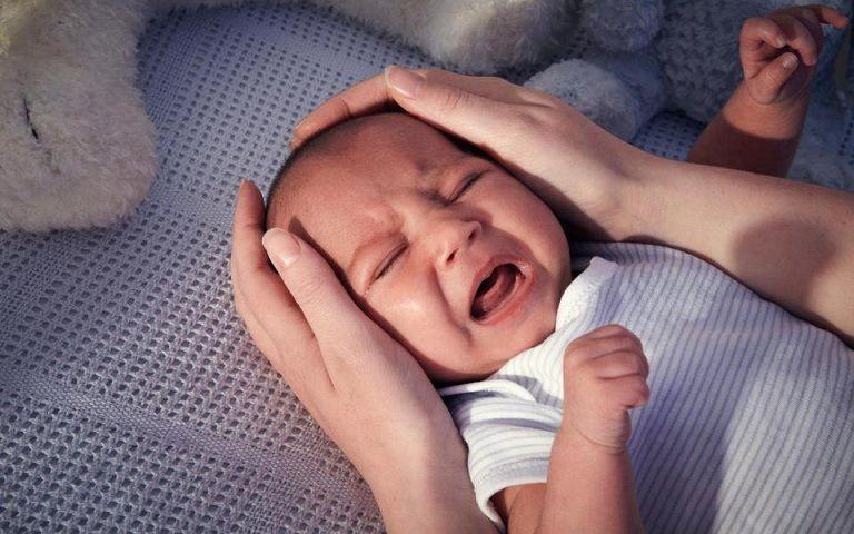 Trẻ biếng ăn, quấy khóc ảnh hưởng rất lớn đến sức khỏe và sự phát triển