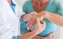 Bệnh nhân sẽ được bác sĩ hướng dẫn luyện tập và vận động tại nhà