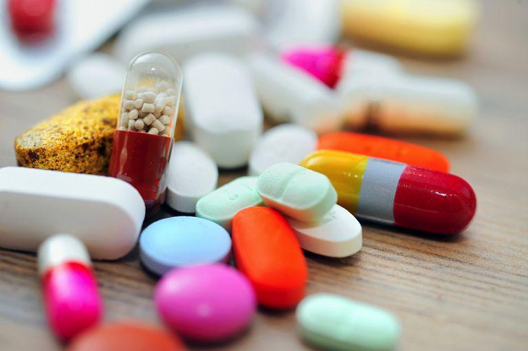 Những loại thuốc kháng viêm không chứa steroid được chia làm hai nhóm chính