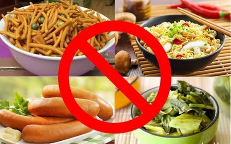 Vì bị viêm dạ dày HP từ bế nên Dung phải kiêng rất nhiều đồ ăn, thức ăn