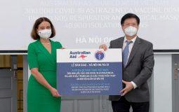 Thứ trưởng Bộ Y tế Trương Quốc Cường tiếp nhận thêm 300.000 liều vaccine COVID-19 AstraZenca và trang thiết bị chống dịch từ Chính phủ Australia